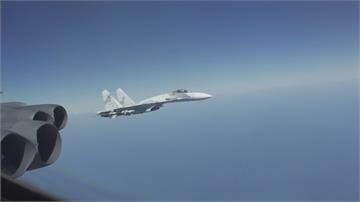 2俄羅斯戰鬥機攔截B-52轟炸機 美國防部轟:不專業也不安全