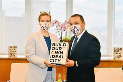快新聞/時隔30年!AIT新處長孫曉雅再拜訪新北市 大力讚賞「台灣民主自由風氣」