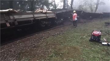 清運廢棄道碴 工程車出軌釀3傷阿里山森林鐵路停駛兩天調查
