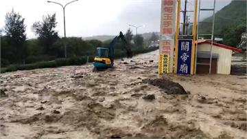 暴雨阻交通 屏鵝公路竹坑段土石流爆發