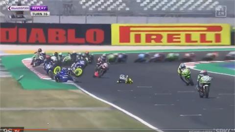 摩托車賽驚險事故 日籍車手鬼門關前走一回