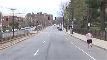 波士頓馬拉松124年來首次延賽 他堅持上街一人獨自跑完