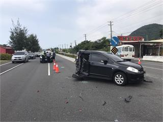 快新聞/屏東驚悚車禍 小客車遭「二度撞擊」車體剩一半