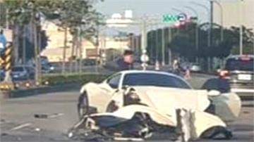 好貴的車禍!千萬法拉利失速撞路邊車輛 三車慘被波及