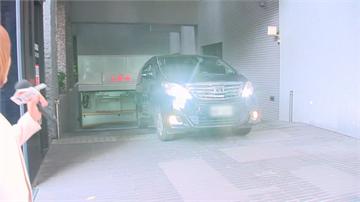 快新聞/未露面! 遭罷免後首個上班日 韓國瑜驅車從地下室直接進辦公室