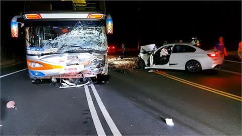 台3線嘉義段大彎道  遊覽車自小客對撞1死4傷