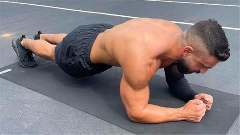 澳洲男撐9.5小時破「棒式」世界紀錄!為1信念左手患病堅持挑戰