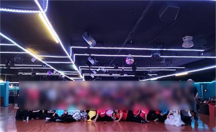 快新聞/染疫7旬男跳舞4.5小時!「阿曼達舞場」百人大合照曝光 網友:怕死!最近少出門