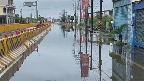 屏東林邊積水最深到小腿肚 交流道往東港封閉