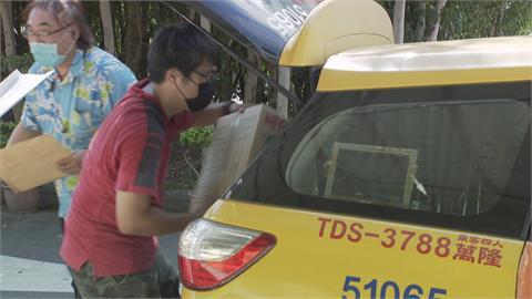 網購量暴增貨運大塞車 200台小黃投入送貨行列