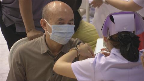 擁抱國際觀光客 普吉島居民優先施打疫苗