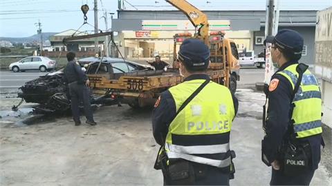 轎車撞進加油站 女乘客拋飛竟哭求別報警