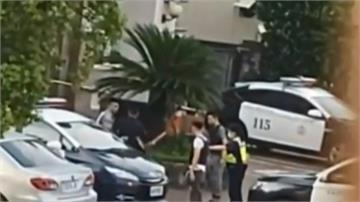 把員警當「塑膠」?十多人警所外聚眾鬥毆