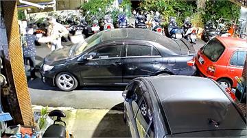 停車超過10公分 惡鄰砸車嗆:見1次砸1次