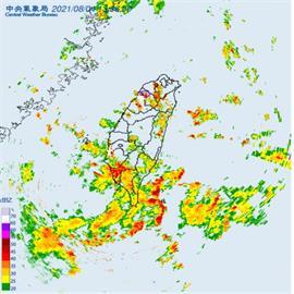 快新聞/雨彈發威!全台18縣市大雨特報 桃園、新竹大雷雨持續至15:00