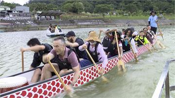 因疫情留台灣 訪台學者端午體驗划龍舟