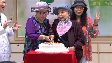 76歲婦卵巢癌末期 減積手術化療多活15年