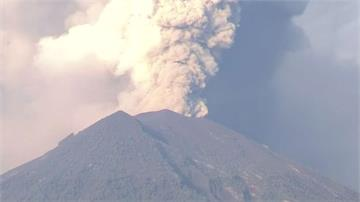 峇里島阿貢火山續噴發 機場連3天關閉