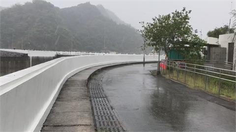 華南雲系東移、山區熱對流助攻成功了! 曾文水庫近中午飄雨稍解渴