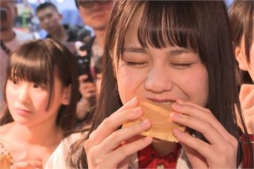 日本AKB師妹團「=LOVE」 逛萬華夜市大啖美食