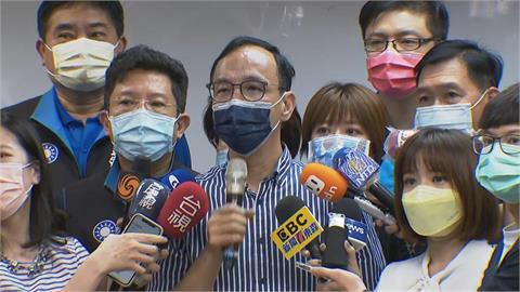 快新聞/面對中國政府不敢提台灣 王丹嗆朱立倫「麥擱騙啦」!