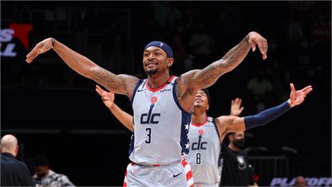 NBA/畢爾第3節率隊狂飆 巫師戲耍溜馬闖進季後賽