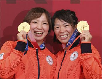 東奧/世界最強角力姐妹!「2人都拿金牌」創日本奧運史上首例