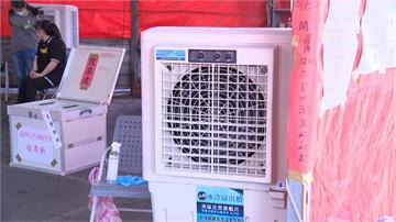 13台大型電扇「散熱」 罷韓唯一室外棚架投票所抗暑大作戰