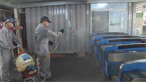 加緊防疫大消毒! 台南棒球場採梅花座 阿里山列車人數降載