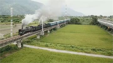 國王、女王蒸汽火車頭雙連奔馳 台鐵電氣化後破天荒畫面 鐵道迷見證!