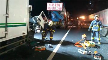 國道物流車追撞水泥車 司機小腿斷噴不治