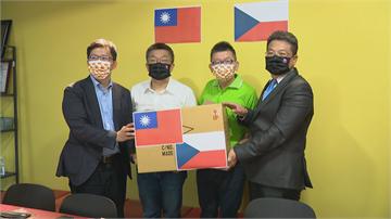 快新聞/贈捷克2萬片台捷國旗口罩 科技布口罩成亮點