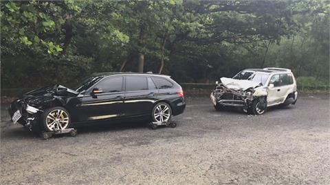 台26線轎車突迴轉釀禍 路口4車「撞況慘重