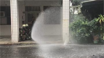 警戒! 瓦斯管線只埋5公分輕輕一刨漏氣 現場瀰漫瓦斯味