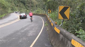奇蹟!騎單車摔烏來50米深谷 幸有樹木緩衝僅受輕傷