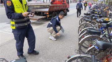 單車併排三排當路霸 人行道縮水就在台大校園周邊