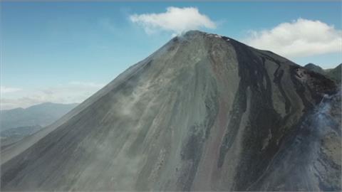 瓜地馬拉帕卡亞火山噴發火山灰!拉奧羅拉國際機場暫時關閉