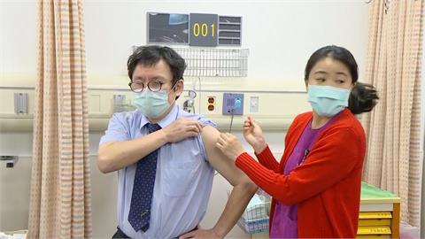 快新聞/全台醫護第一針! 雙和醫院院長:疫苗從小打到大沒什麼特別