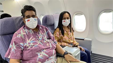 快新聞/帛琉總統惠恕仁將抵台! 外交部po機上照:會用「正港台灣風」迎接