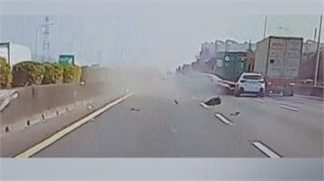 貨櫃車變換車道不當 休旅車被迫「漂移」釀禍