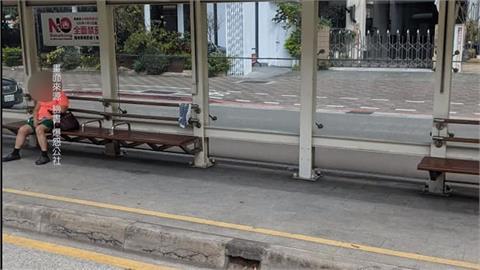 趕搭公車闖紅燈 害對向公車人仰馬翻