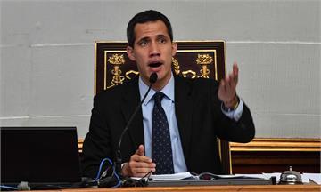 委內瑞拉總統雙胞案風波延燒 最高法院對「臨時總統」發布旅遊禁令