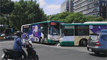 三重客運公車對撞 駕駛乘客5輕傷