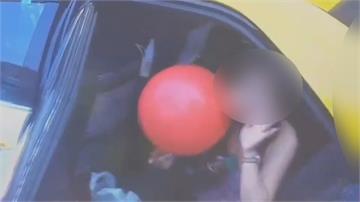 女子攜鋼瓶搭計程車 半路後座吸笑氣司機急報警