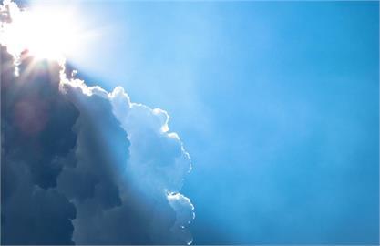 5月創74年以來最熱紀錄!氣象局估計今夏至少「3到4個」颱風襲台