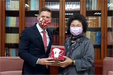 快新聞/加拿大駐台代表訪監院 陳菊:盼在人權議題上有更多合作
