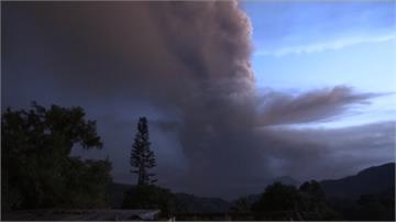 菲律賓塔爾火山噴發!居民緊急撤離、機場關閉