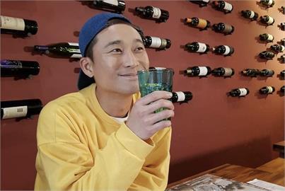 對決許富凱、伍佰搶「台語歌王」!「浩子」金曲爆黑馬入圍「2」大獎