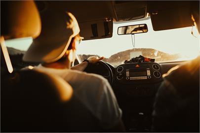 開車也會快樂缺氧!冷氣「這顆鍵」操作不慎恐窒息釀憾事