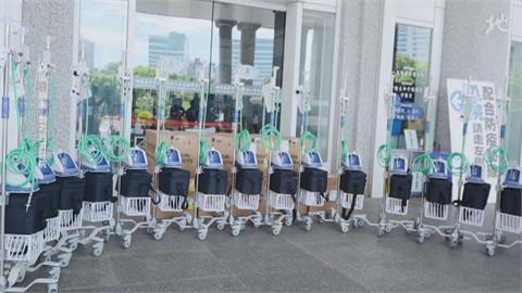 「救國女神」又出手!有醫護緊急求救 賈永婕再捐146台PAPR呼吸器